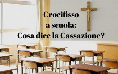 Sospensione dall'insegnamento per il professore che rimuove il crocifisso dall'aula: è legittima?